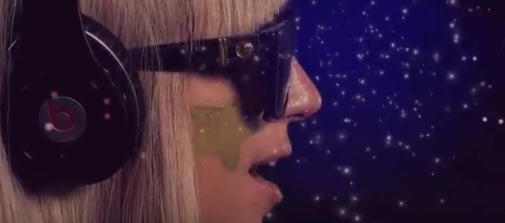 "Se filtran vídeos de ""LoveGame"" y ""Starstruck"""