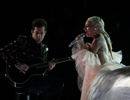 "Lady Gaga y Mark Ronson hablan sobre ""Shallow"" para LA Times"