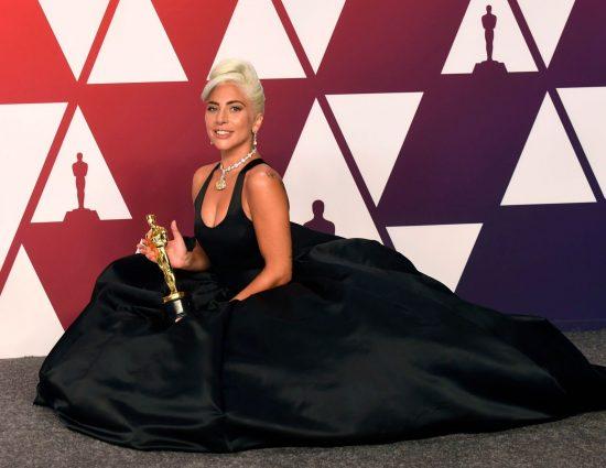 Lady Gaga triunfa en los Oscars